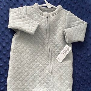 Quilted 1 piece sleep & play